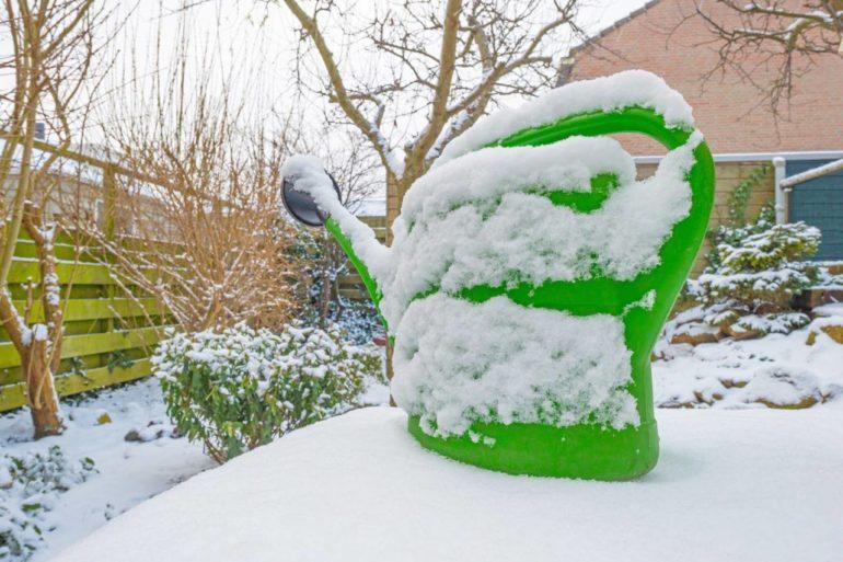 Gießkanne winter überwintern gießen